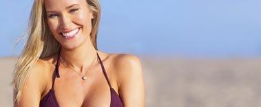 Modela prsou s augmentací