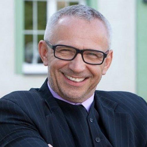 MUDr. Tomáš Kydlíček Ph.D., MBA